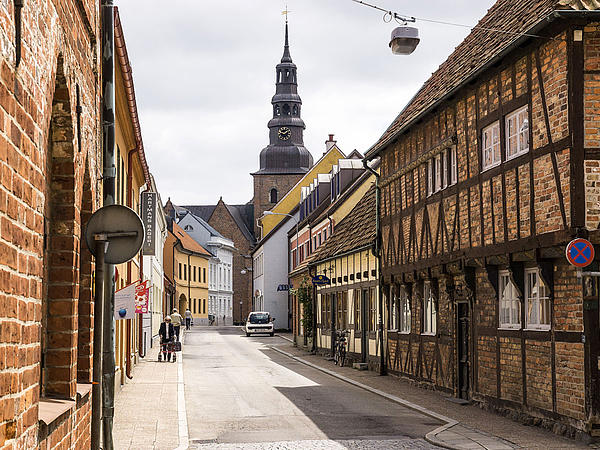 View into an alley in the old town of Ystad city.